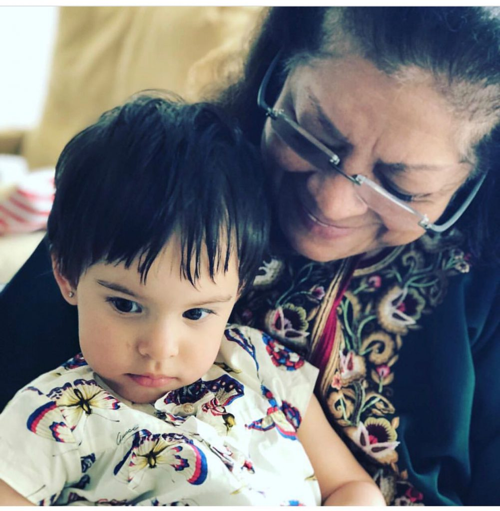 Karan Johar posts a pic of his mom Hiroo Johar and daughter Roohi on Mother's Day