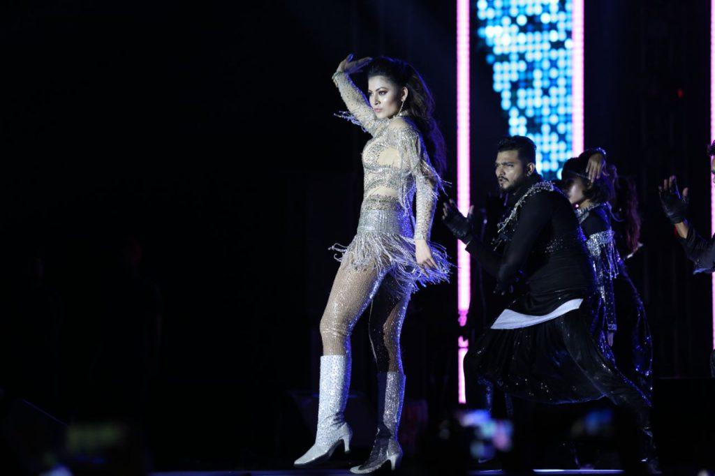 Urvashi Rautela performance at a function in Gujarat