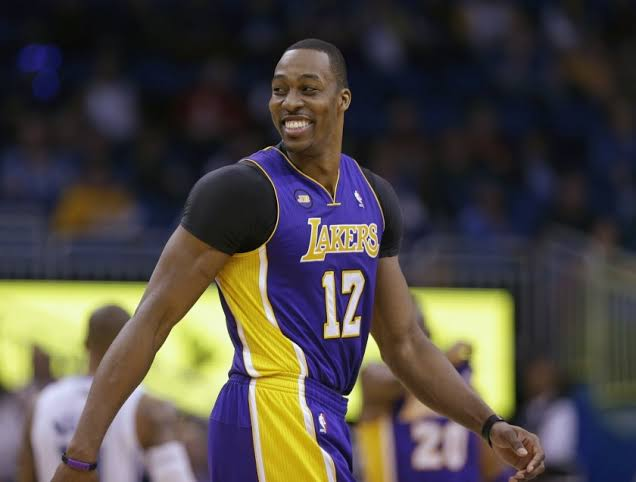 Dwight Howard re-joins the Lakers