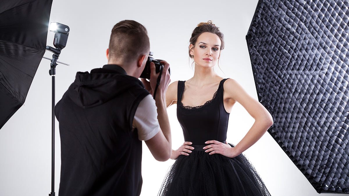 Ace These Model Poses With 10 Key Tips Daily Hawker