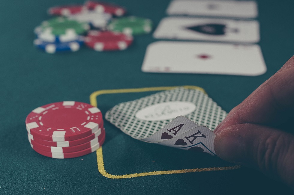 Best Tips for Reading People in Poker