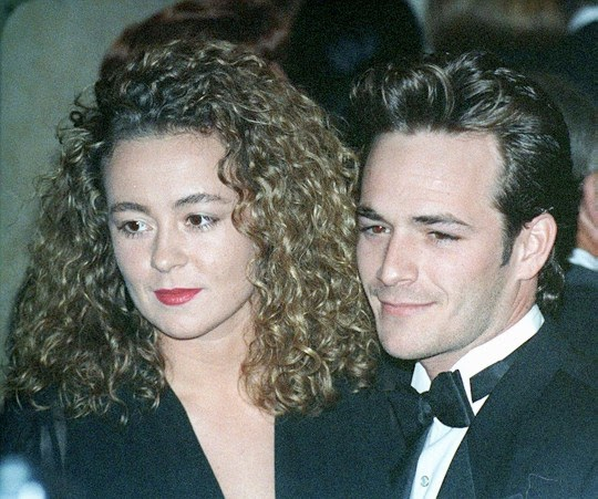 Minnie Sharp was married to Luke Perry from 1993 to 2003. When they met she was a furniture saleswoman and paralegal- a very different career to her husband.