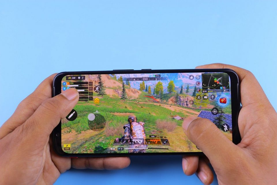 Should Next-Generation Consoles Fear Mobile Gaming