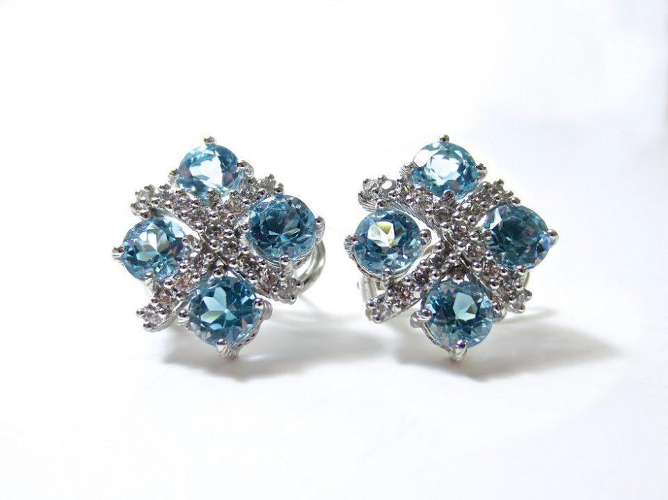 Sparkling Stud Earrings for the Women Who Love Spotlight